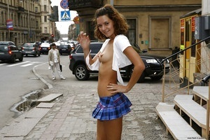 Jonelle from Seattle, Washington is interested in nsa sex with a nice, young man