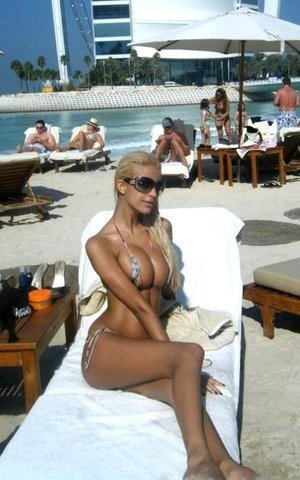 Florrie is looking for adult webcam chat