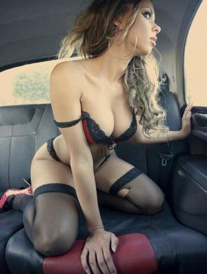 Aura from Great Falls, Virginia is looking for adult webcam chat