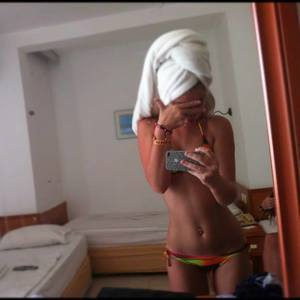 Larhonda from Clear, Alaska is looking for adult webcam chat