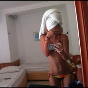 Marica from Matlock, Washington is looking for adult webcam chat
