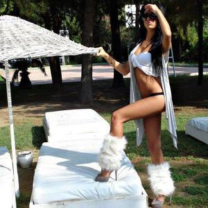 Tashina from District Of Columbia is looking for adult webcam chat