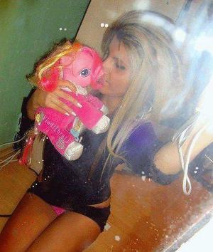 Looking for local cheaters? Take Pricilla from Wisconsin home with you
