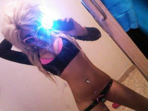 Ivonne from Sioux City, Iowa is looking for adult webcam chat