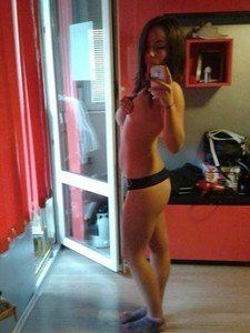 Tammi from Northway, Alaska is looking for adult webcam chat